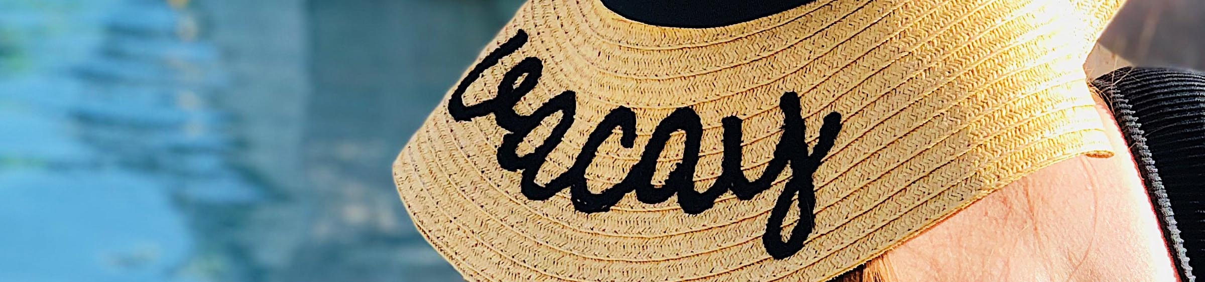 Sun hat with the words vacation